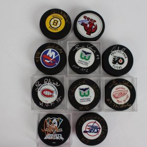 NHL HOFers & Heroes Lot of (10) Signed Hockey Pucks Feat. (2) Bobby Hull, (2) Gordie Howe, Phil Esposito, Eric Lindros, Pavel Bure etc.
