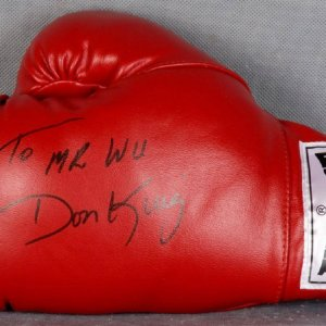 """Don King Signed Everlast Glove """"To Mr.Wu"""""""