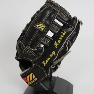 Los Angeles Dodgers - Lenny Harris Game-Used Mizuno Glove