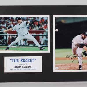 New York Yankees Roger Clemens Signed 8x12 Photo