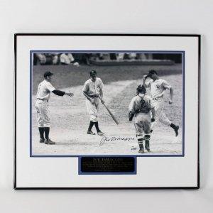 New York Yankees Joe DiMaggio Signed 20x24 Photo Display