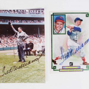Boston Red Sox Ted Williams Signed 4x6 Photo & Donruss Card