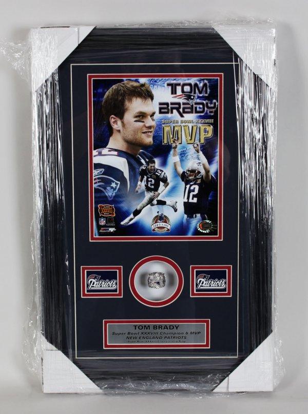New England Patriots Tom Brady - Super Bowl XXXVIII Champion 14x22 Ring Display