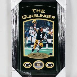 Green Bay Packers Brett Favre Signed - Super Bowl XXXI Champion 14x22 Ring Display