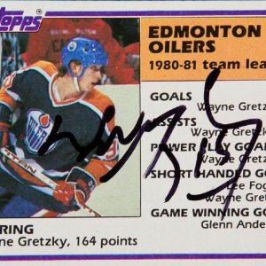 1981-82 Topps - Wayne Gretzky Signed Card #52 (Signed at a Las Vegas Event)