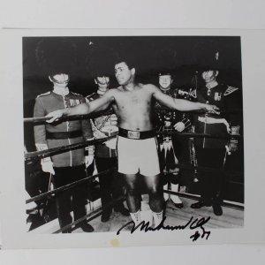 Muhammad Ali Signed 8x10 photo dated '89 COA JSA Auction Letter