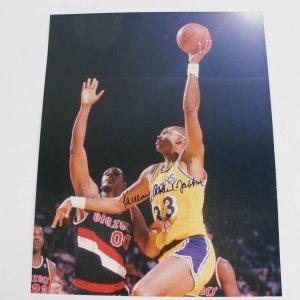 Los Angeles Lakers - Kareem Abdul-Jabbar Signed 16x20 Color Photo Full Signature