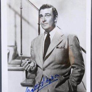 Walter Pidgeon Signed B&W Metro Goldwyn -Mayer 8x10 Photo