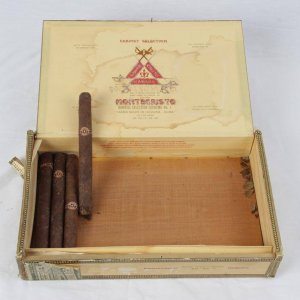 Pre-Embargo Pre -Castro Monte Cristo Habana Dinhill Selection Supreme No 1 Hand Made In Havana-Cuba Box