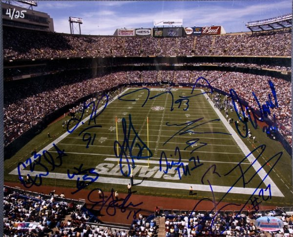 Ny Giants Team-Signed 8x10 Photo Incl. 10 Sigs. Incl. Justin Tuck