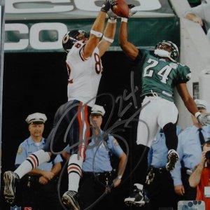 Philadelphia Eagles - Sheldon Brown Signed  Inscribed (24) 8x10 Photo Signature Grades 9-10