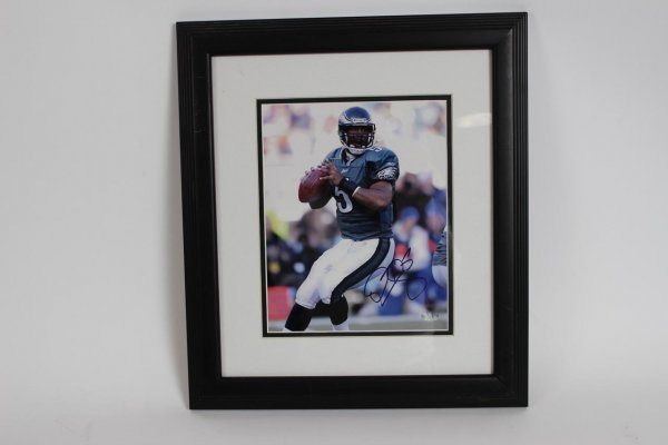 Donovan McNabb Philadelphia Eagles Signed 8x10 Framed Photo Display  (Mounted Memories)