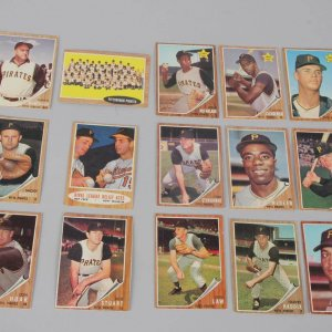1968 Topps Pittsburgh Pirates Baseball (15) Card Lot incl. Bill Mazeroski