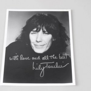 Actress - Comedian - Lily Tomlin Signed