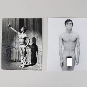 """Le Corsaire"" Ballet Performer Rudolf Nureyeu Signed 8x10 Photo"