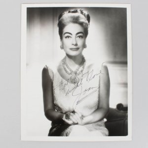 Actress Joan Crawford Signed 8x10 Photo