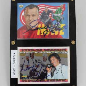 Wayne Gretzky & Gordie Howe Signed Cards Display