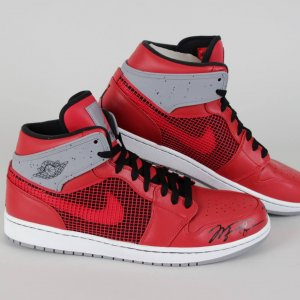 Chicago Bulls - Michael Jordan Signed Air I Retro Sneakers Shoes (UDA COA)