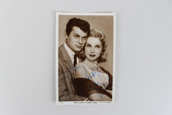 Tony Curtis & Janet Leigh Signed 3x5 Post Card (JSA)