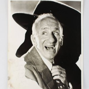 Actor - Jimmy Durante Signed 8x10 Photo (JSA)