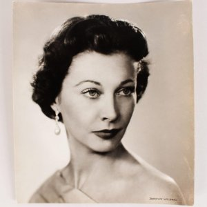 """1954 Vivien Leigh Chlorobromide 7 1/2 x 8 1/2 Vintage Portrait By Dorothy Frances Edith Wilding was a noted English society photographer from Gloucester. Besides members of the Royal family, Dorothy Wilding photographed many famous people. Time magazine, marking Wallis as """"Woman of the Year"""". Given to Roy Moseley by Vivien Leigh."""