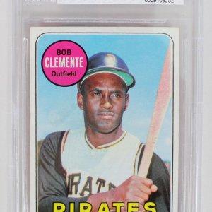 1969 Topps - Pittsburgh Pirates Roberto Clemente Baseball Card (#50) Beckett Graded 7 NM