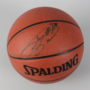 Los Angeles Lakers - Shaquille O'Neal Signed Basketball (JSA COA)