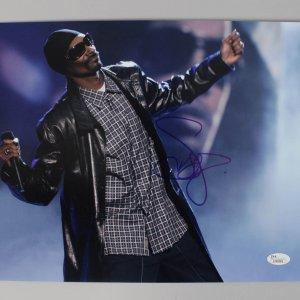 Rap Hip Hop Singer Snoop Dogg Signed Autographed 11x14 Photo (COA JSA)