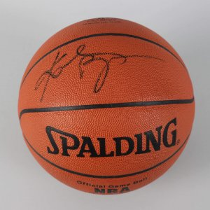 Los Angeles Lakers - Kobe Bryant Signed Rookie Year Official Basketball - COA UDA