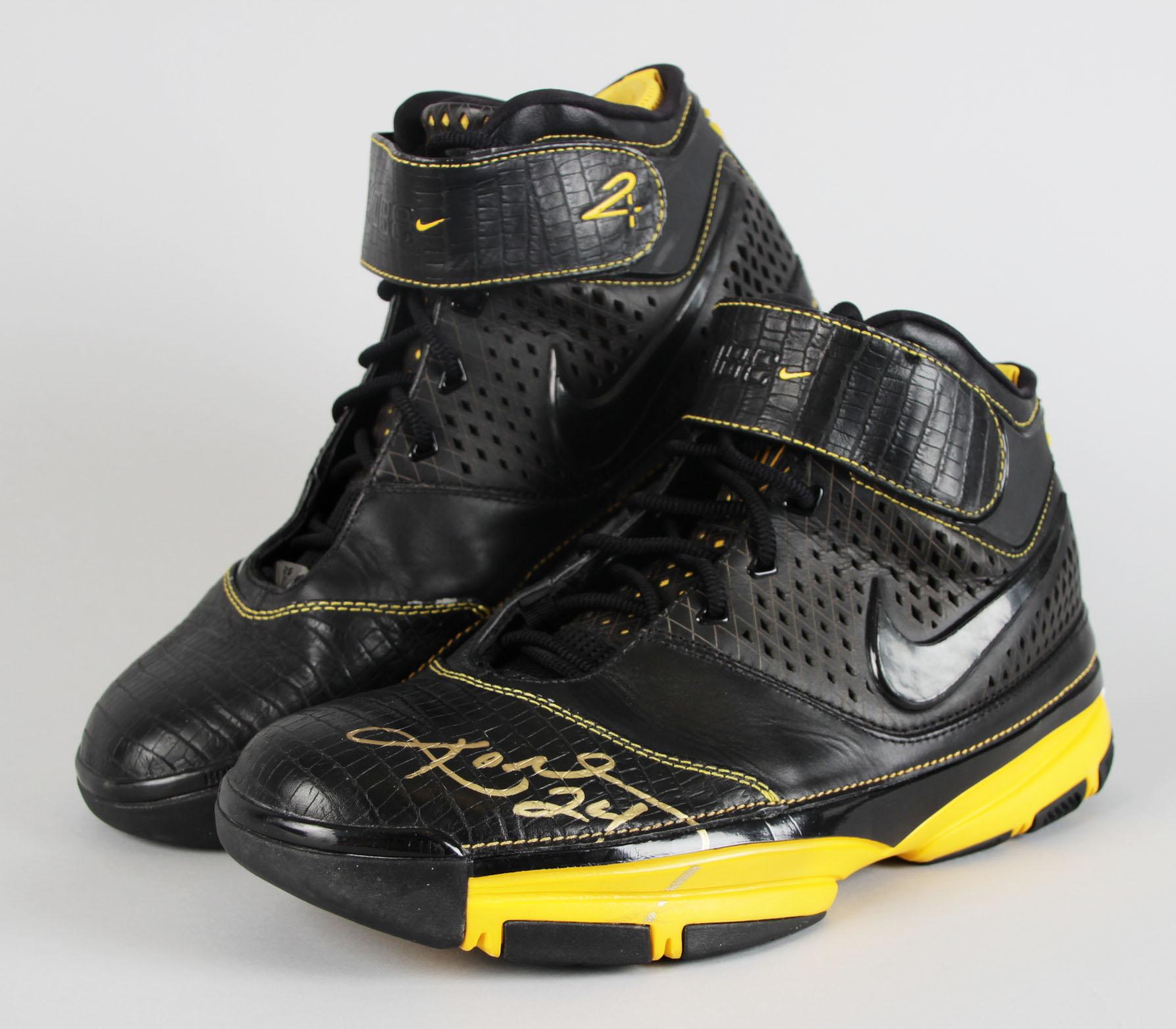Kobe Bryant Signed Nike Zoom II Sneaker
