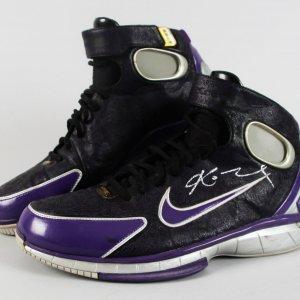 Los Angeles Lakers - Kobe Bryant Game-Worn, Signed Shoes - JSA Full LOA