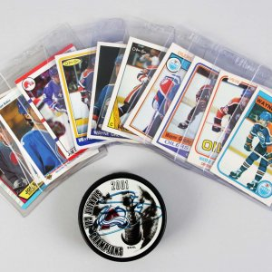 Hockey Lot Feat. Vintage Edmonton Oilers Wayne Gretzky O-Pee-Chee Cards & Joe Sakic Signed Puck