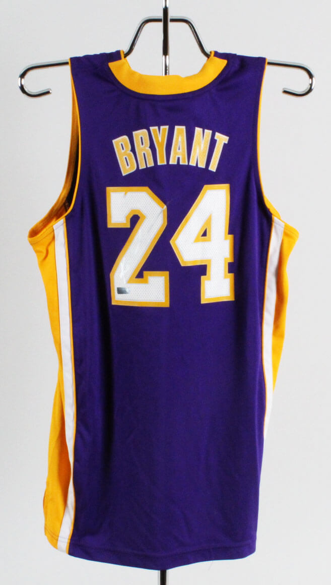 Kobe Bryant Signed Los Angeles Lakers Jersey Kid's L - Panini